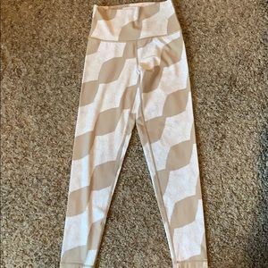 Aerie chill play move leggings!